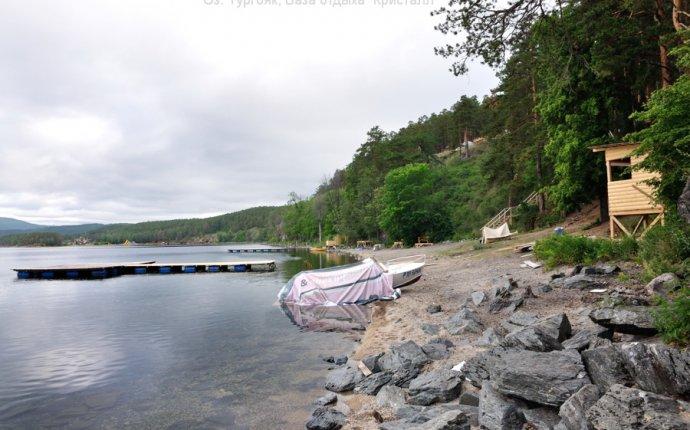 Кристалл на озере Тургояк пляж