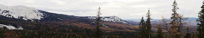 Панорама с видом на горы Южного Урала